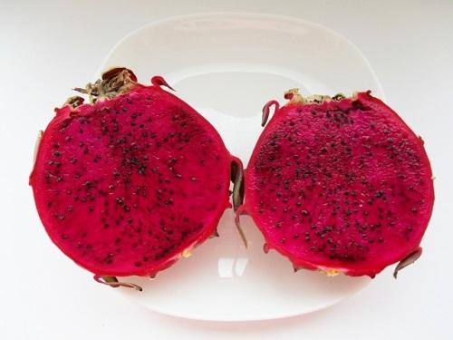 ドラゴンフルーツの赤い実